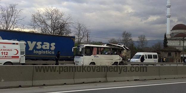 pamukova_birlik_koop_araci_kaza_yapti_